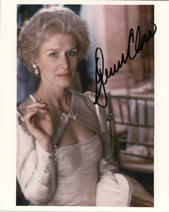 Glenn Close Signed Autographed Glossy 8x10 Photo - COA Matching Holograms