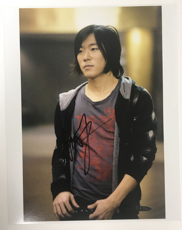 Aaron Yoo Signed Autographed Glossy 8x10 Photo - COA Matching Holograms