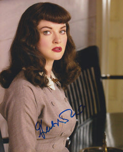 "Gretchen Mol Signed Autographed ""Bettie Page"" Glossy 8x10 Photo - COA Matching Holograms"