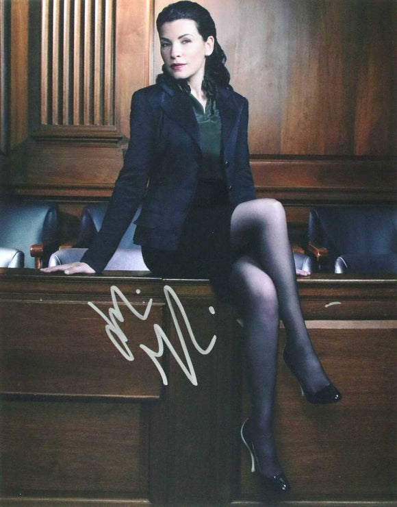 Julianna Margulies Signed Autographed Glossy 11x14 Photo - COA Matching Holograms