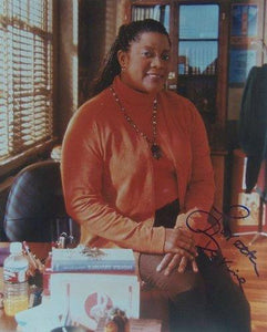 Loretta Devine Signed Autographed Glossy 8x10 Photo - COA Matching Holograms