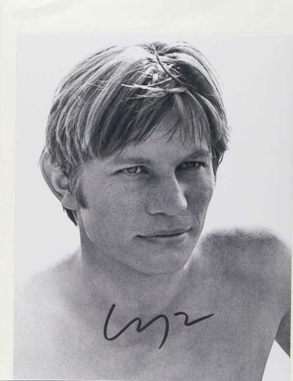 Michael York Signed Autographed Glossy 8x10 Photo - COA Matching Holograms