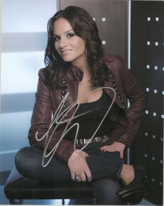 Kara DioGuardi Signed Autographed Glossy 8x10 Photo - COA Matching Holograms