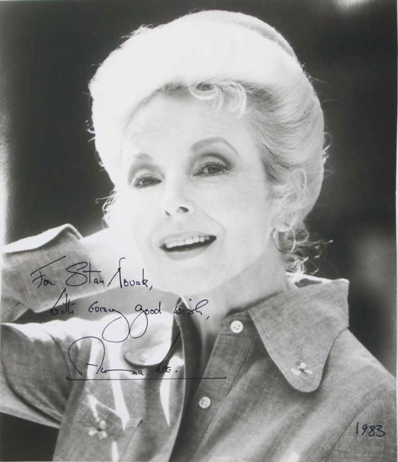 Anna Lee (d. 2004) Signed Autographed Vintage Glossy 8x10 Photo