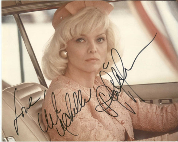 Michelle Pfeiffer Signed Autographed Glossy 8x10 Photo - COA Matching Holograms