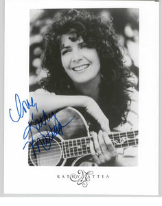 Kathy Mattea Signed Autographed Glossy 8x10 Photo - COA Matching Holograms