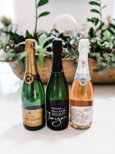 Customizable champagne gift boxes. Sparkling wine delivery and great for unique corporate gift ideas.