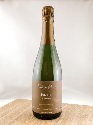 Val de Mer Cremant, part of our champagne delivery and great for unique gift ideas.