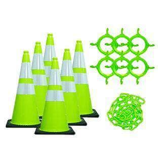 C3 28 in. Traffic Cone and Chain Kit