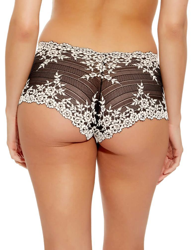 bc0dbf57efee2 Wacoal Embrace Lace Boyshort 67491 in Black