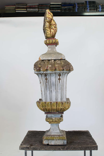 A Large Early 18th Century Italian Carved and Gilded Finial
