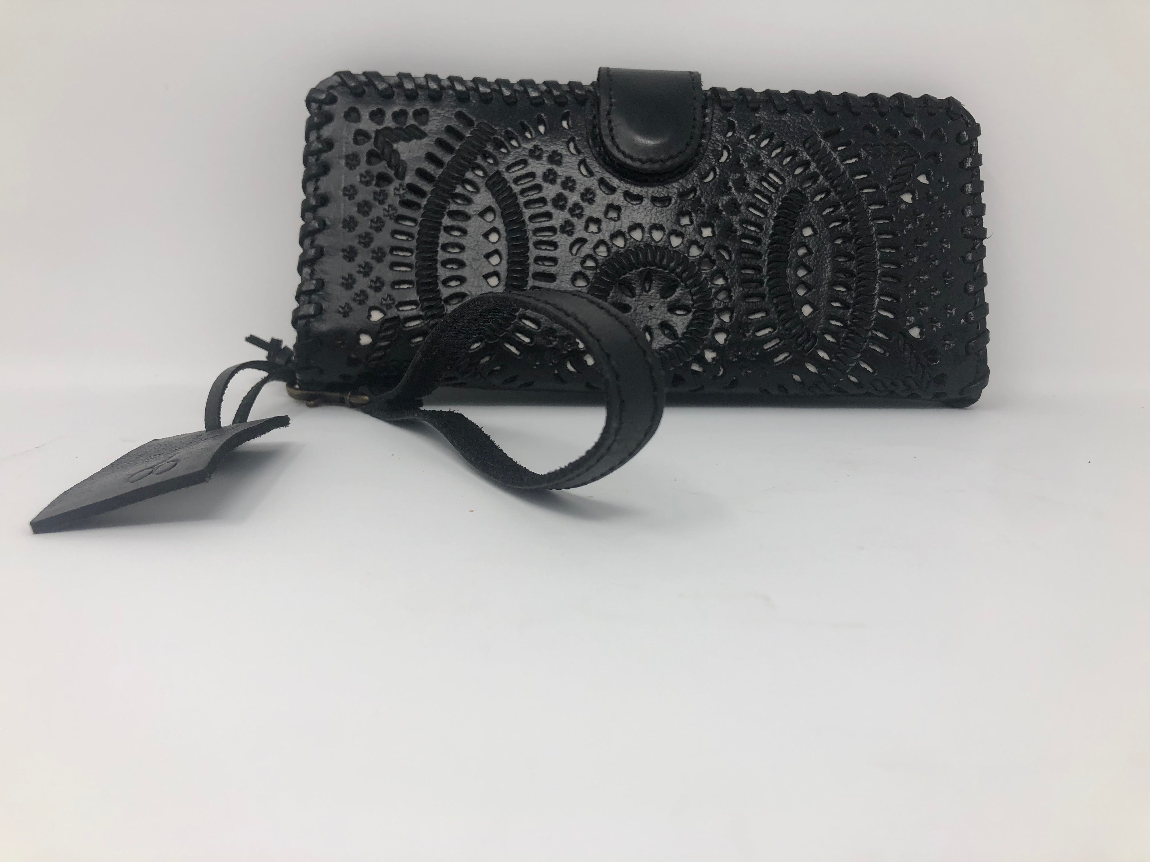"Daisy Black Leather Wristlet Wallet (3.5""x8"")"