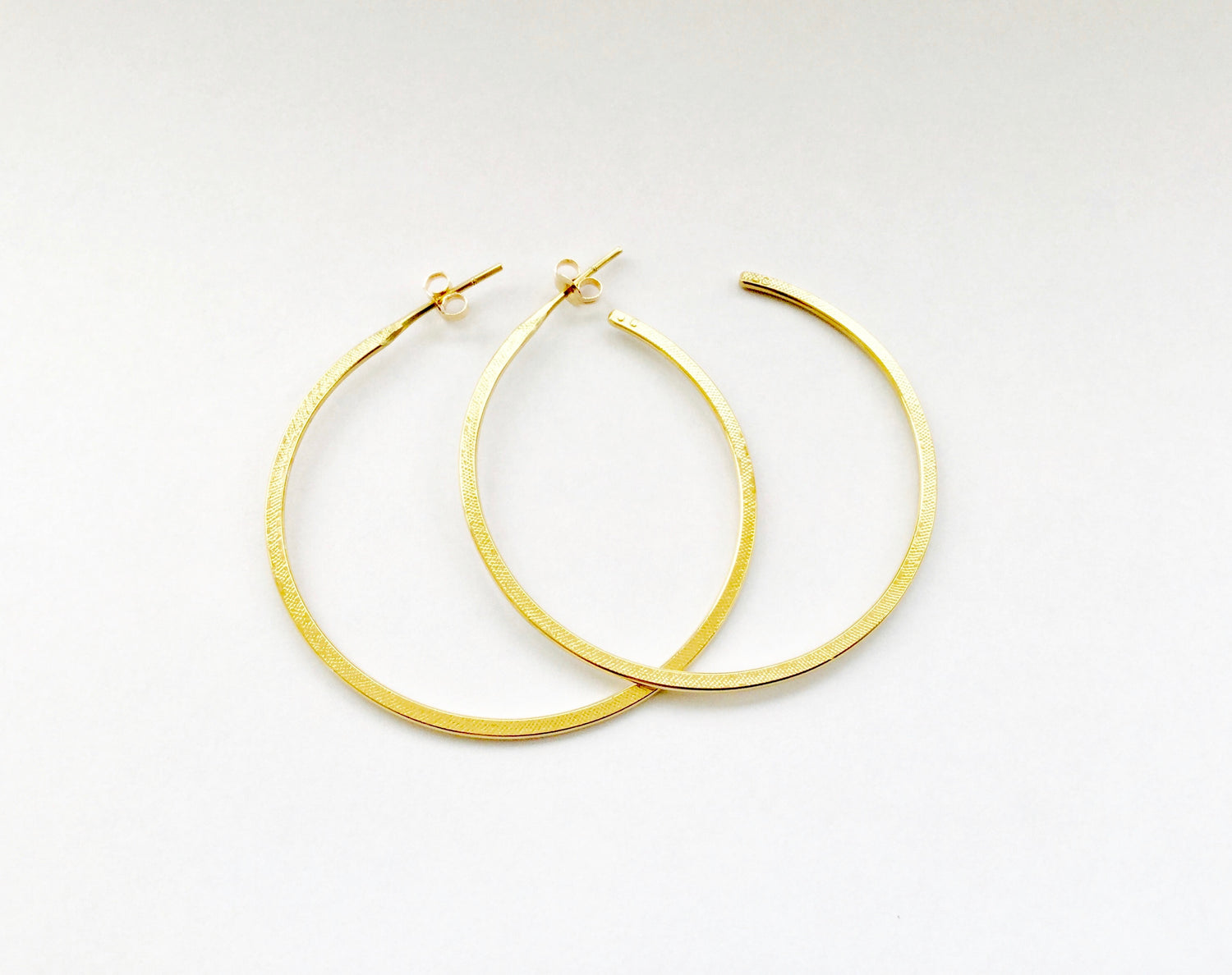 New Hoop Earring, Medium, gold