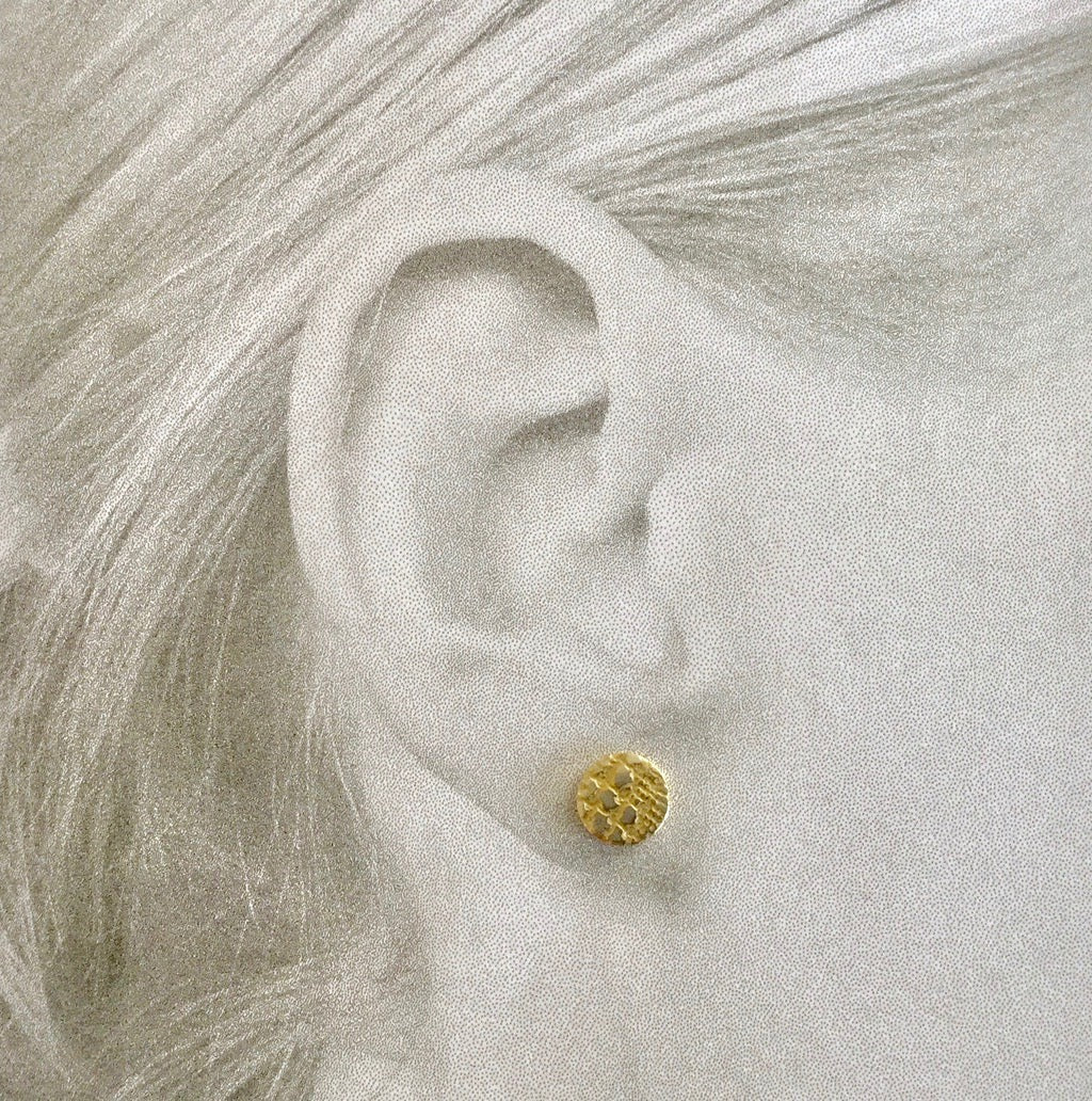 Disc Stud Earring, Reptile Lace - gold/silver