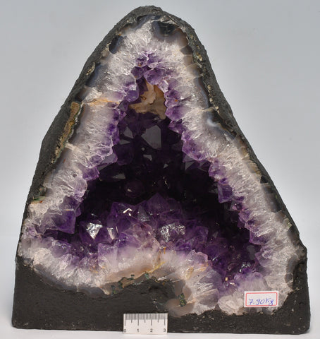 AMETHYST CRYSTAL CAVE, 7.9 kilos FROM BRAZIL C7
