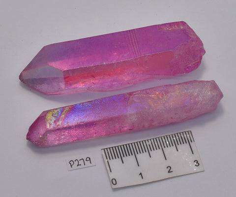 2 x AURA QUARTZ CRYSTAL POINTS P279