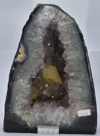 AMETHYST CRYSTAL CAVE, 6.3 kilos FROM BRAZIL C9