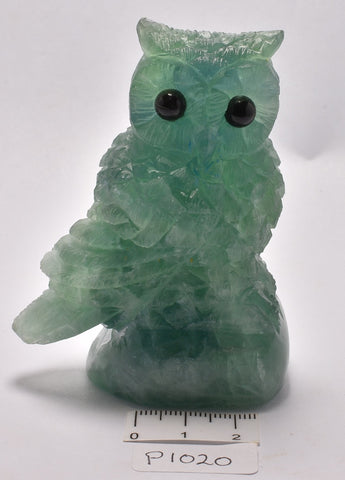 FLUORITE CRYSTAL OWL CARVING 8 cm P1020
