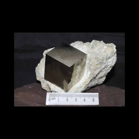 PYRITE CUBE ON MATRIX, La Roja,SPAIN 675g (M148)