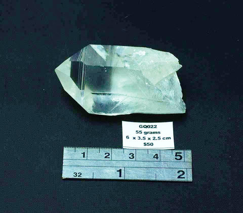 QUARTZ NATURAL CRYSTAL POINT GQ022