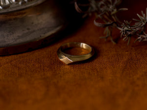 Hilt ring - Yellow Gold