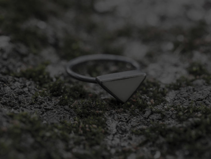 Tri ring - grey/oxidised