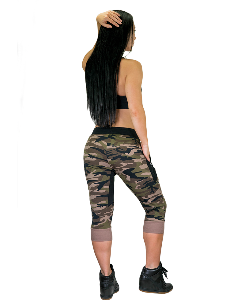 Womens Meshtech 3/4 Training Pant- Green Camo