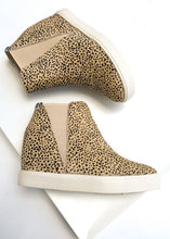 Lure Black Spot Wedge Sneaker