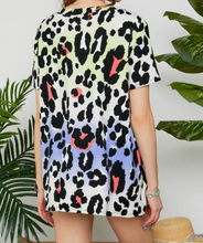 MULTI COLOR LEOPARD PRINT SHORT SLEEVE TOP