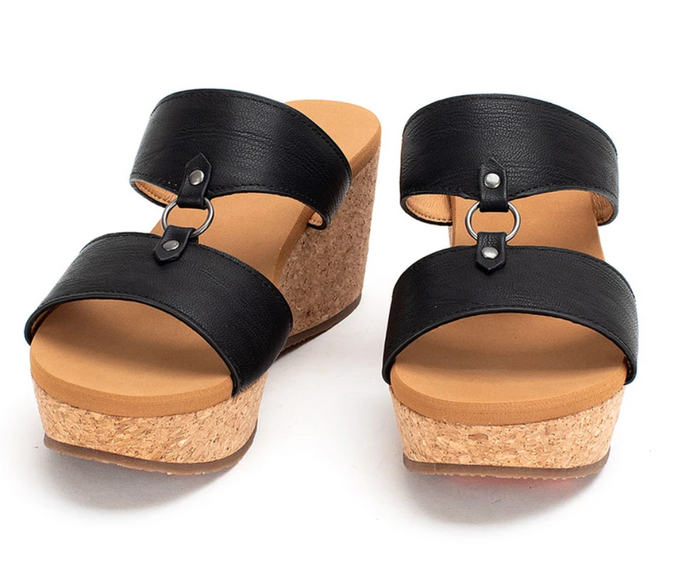 Akina - Black Wedge shoe
