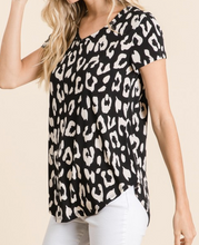 V-NECK ANIMAL PRINT TUNIC