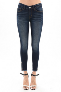 KanCan Dark Wash Jeans W/ Zipper & Frayed Bottom