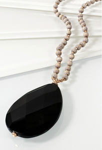 NATURAL STONE TEARDROP PENDANT GLASS BEAD NECKLACE