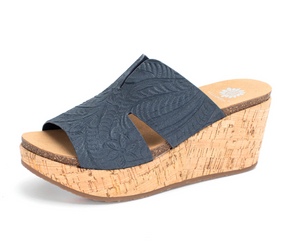 NAVY GENESYS WEDGE SANDAL