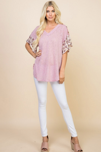 V-Neck Lightweight Casual Top W/ Animal Print Flutter Sleeves