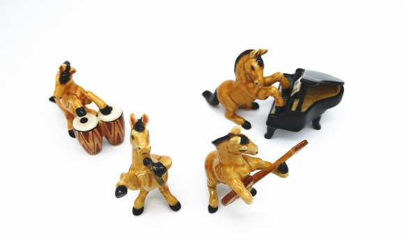 HORSE MUSICAL SET OF 4