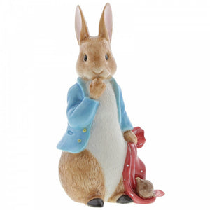 Beatrix Potter Large Figurines - Peter Rabbitand the Pocket Handkerchief