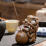 Hold ball Pi Xiu ornaments tea pet boutique tea ornaments trumpet one pair of stone lions town house incense holder incense burner