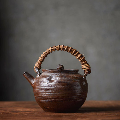 Jingdezhen handmade stoneware teapot burning kettle Japanese tea set ceramic beam pot tea maker Retro Pu'er pot
