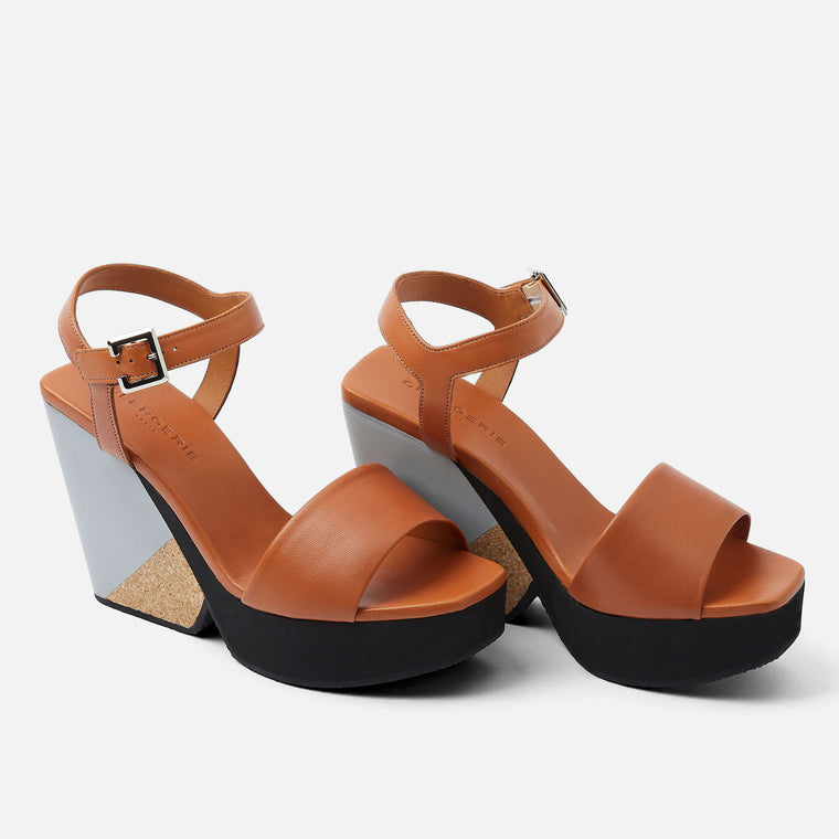 PEARL WEDGE SANDALS, CAMEL
