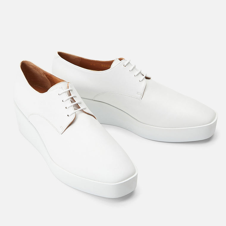 DERBIES LINDSEY, WHITE
