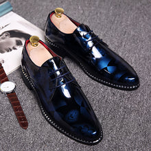 Load image into Gallery viewer, Mens British Style Patent Leather retro Print Oxfords