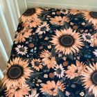 Sunflowers on black - fitted sheet, hoeslaken