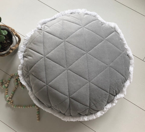 Timeless grey - round velvet pillow