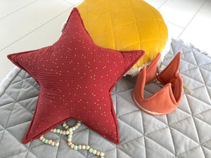 Red rust star with gold dots  - double gauze pillow, terakota pillow
