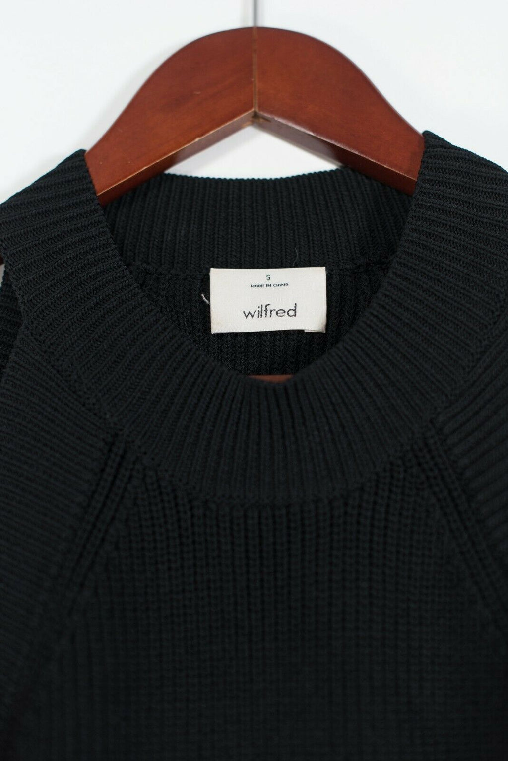 Aritzia Wilfred Women's Small Black Crevier Tank Top Knit Sweater Cropped Shirt