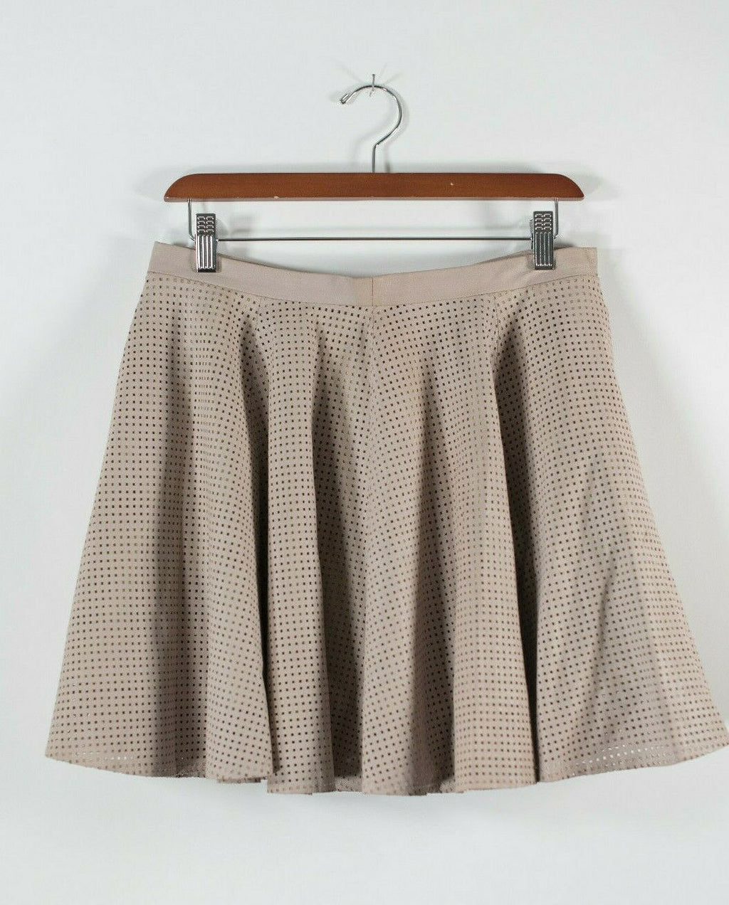 LaMarque Womens Size 6 Small Beige Mini Skirt Leather Laser Cut Short Lined Mini