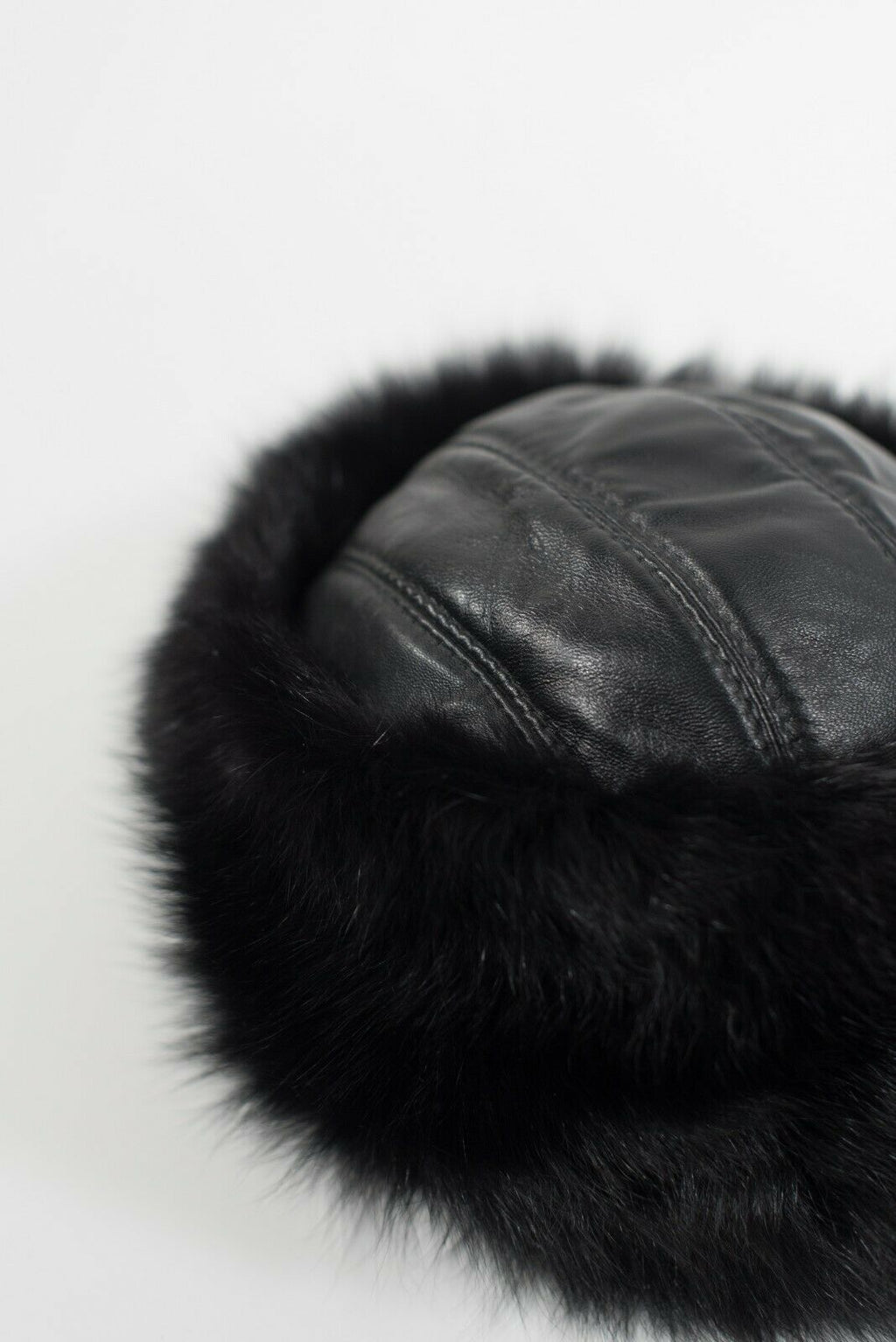 An Mapu Women's Size Small Black Hat Genuine Fur Soft Leather Panel Winter Cap