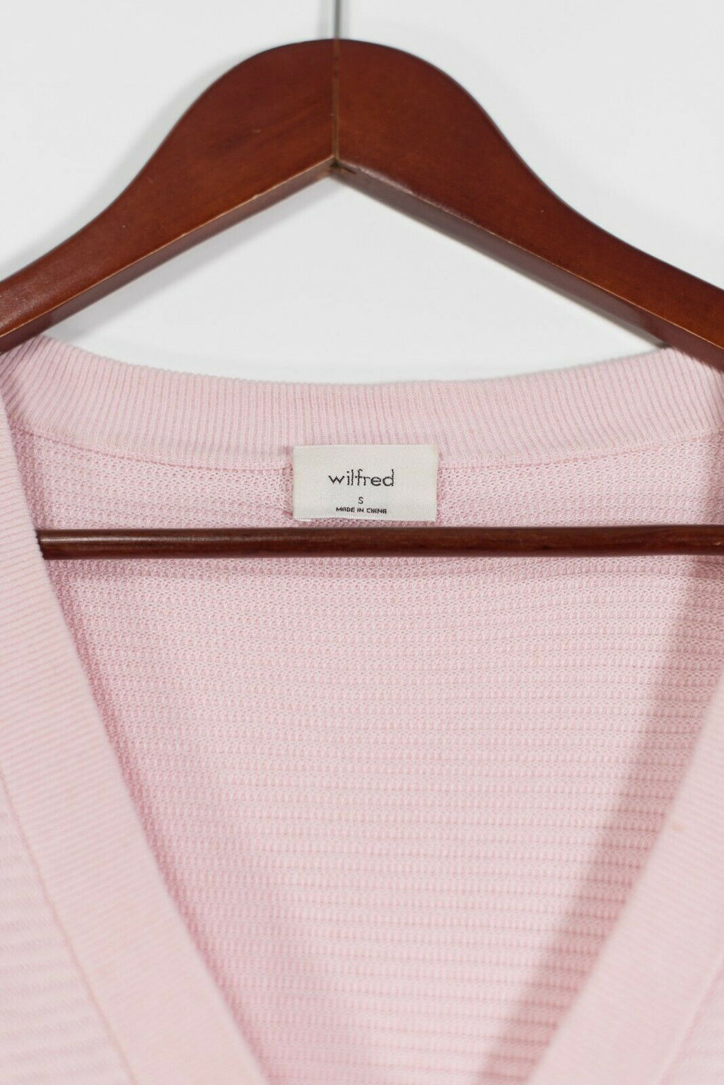 Aritzia Wilfred Women's Small Pink Light Cropped Cardigan Sweater V-Neck Knit