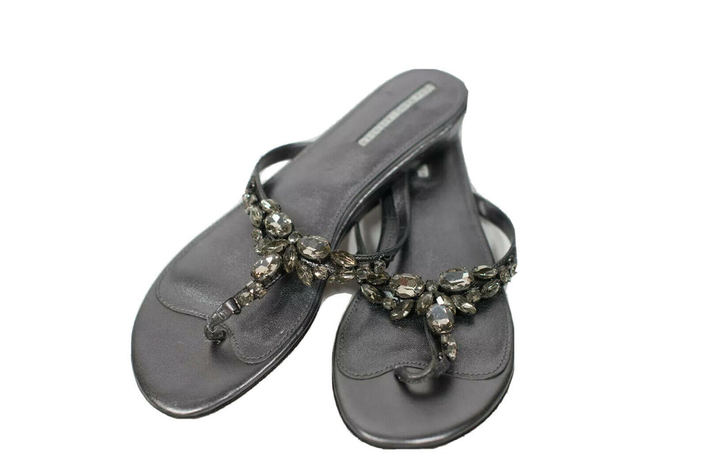 Vera Wang Size 8.5 Silver Jewelled Sandals